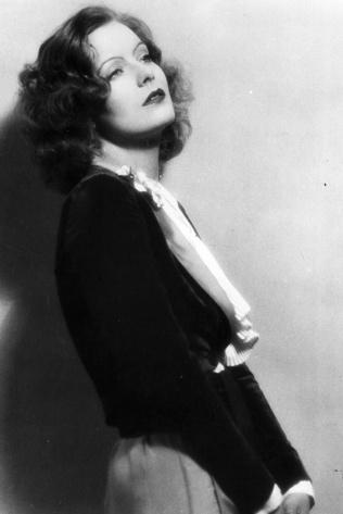 30 Greta Garbo image via vogue.es