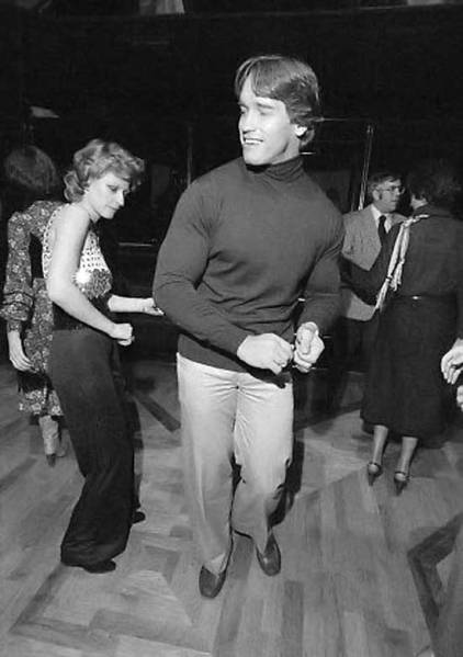 Arnold-Schwarzenegger-dancing-at-Studio-54
