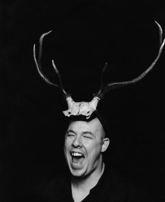1._Portrait_of_Alexander_McQueen_1997 BY MARC HORN